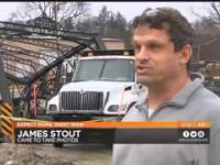Kierowca ciężarówki niszczy historyczny most