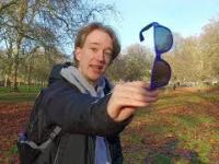 Załóż okulary przeciwsłoneczne i oglądaj w 3D!
