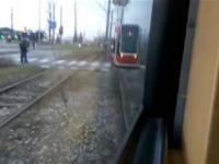 Wyprzedzanie tramwaju przez tramwaj