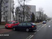 Parkowanie pewnej blondynki