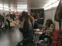 Kiedy w metrze grają twój ulubiony muzyczny kawałek