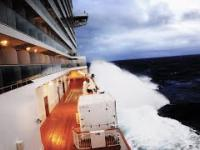 Tymczasem na statku wycieczkowym, podczas sztormu