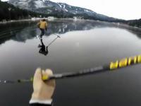 hokej na zamarzniętym jeziorze