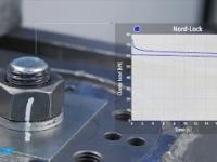 Test wibracyjny różnych podkładek pod nakrętkę