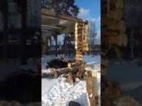 Głupota nie boli ale może zabić, czyli wyburzanie drewnianego domku