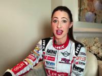 Rebecca Jackson – kobieta, kierowca wyścigowy przeciwko usunięciu F1 grid girls