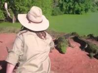 Crocodile barrel rolls off another Crocodiles leg - YouTube