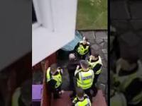 Złodziej chciał się włamać do jego domu. Zadzwonił na policję i nagrał wszystko z okna
