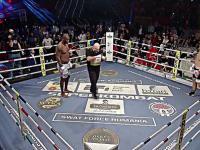 206 cm vs 182. Fake-bokser vs. zawodowiec.