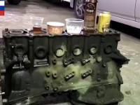 Silnik 6 cylindrów z bardzo ciekawymi tłokami