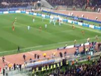 Radość kibiców na trybunach Olimpico po dającej awans bramce Manolasa ce Manolasa - Video Dailymotion