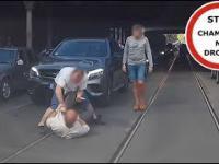 Kierowca kontra pieszy - bójka na jezdni we Wrocławiu