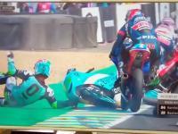 Moto3 Le Mans 2018 Kornfeil jumps over Bastianini's...