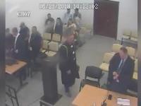 Mężczyzna ucieka z sądu po tym, jak został skazany na 3 lata więzienia