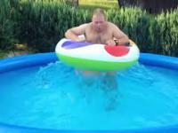 Amatorski generator fal w basenie