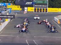Wypadek na stracie wyścigu Formuły 3 na torze w Norisring