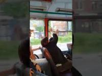 Autobusowy konflikt