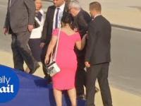 Jean-Claude Juncker - Pijany Przewodniczący Komisji Europejskiej ledwie stoi na nogach