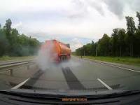 Kolejna wybuchająca opona w ciężarówce