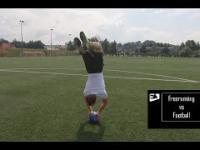 Freerunning vs football - niesamowite ewolucje z piłką