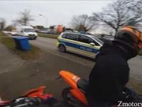Motocykliści uciekają przed Policją 1 - Zabawa z Policją