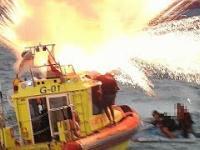 Gdynia- eksplozja fajerwerków na łodzi WOPR-u.