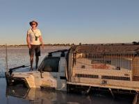 Tak się kończy jazda samochodem po dnie oceanu w Australii