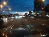 Przechodzenie pieszej przez jezdnię w stylu białoruskim