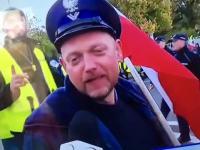 Protestujący funkcjonariusz służby więziennej