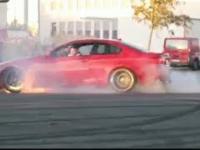 Kierowca BMW chciał się popisać driftem
