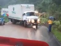 Czy parasol zatrzyma ciężarówkę?