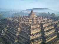 Tajemnica Niezwykłej Piramidy Borobudur z Indonezji