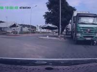 Potrącenie i refleks kierowcy motocykla