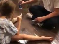 Tatuś zakłada się z córką