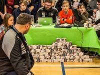 Uczniowie przetestowali znaną w Polsce loterię.