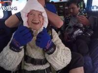 Skoczyła na spadochronie w wieku 102 lat