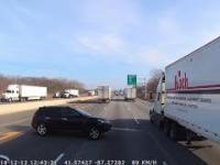 Wypadek vana na drodze w Indiana USA
