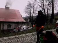Smog - tak, tak Arboryści pracują na świeżym powietrzu. Stihl msa 161t