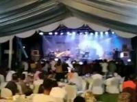 Tsunami w Indonezji. Wstrząsające nagranie: Fala uderzyła podczas koncertu