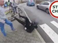 Bójka na drodze - atak kierowcy na rowerzystę