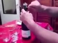 Nigdy nie celuj szampanem w lampę