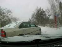 Kierowca volvo wymusza pierwszeństwo