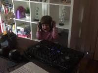 BEST 2 YEAR OLD DJ????????????