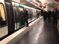Fani Chelsea w Paryżu