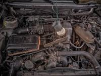 Próba uruchomienia starego, 36-letniego samochodu