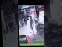 Mężczyzna z dzieckiem na rękach porażony prądem w sklepie