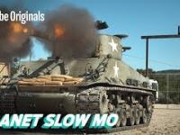 The Slow Mo Guys strzelają do starego samochodu oraz kilku arbuzów