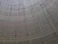 Tak brzmi pękający balon w chłodni kominowej elektrowni atomowej
