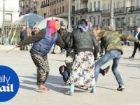 Hiszpańscy Romowie vs hiszpańska policja