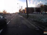 Pośpiech i brawura kuriera DHL doprowadzają do wypadku